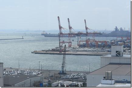 臨海部視察コンテナターミナル写真