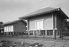 深谷市中宿史跡公園にある復元された正倉